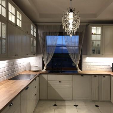 Witam wszystkich,chcemy się podzielić fotkami naszej nowej kuchni - nam bardzo się podoba i cieszymy się, że już jest gotowa.Zapraszamy do obejrzenia