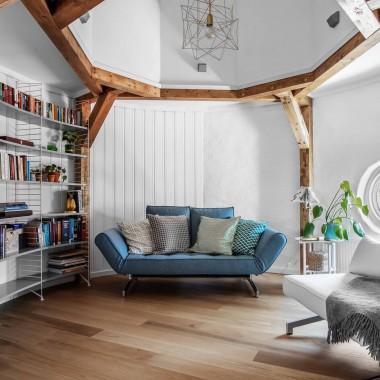 Wnętrze z elementami drewna