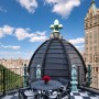 Domy sław, Tommy Hilfiger sprzedał swój ekstrawagancki apartament - Widok jest jeszcze lepszy z dachu apartamentu i naprawdę trudno go nie docenić.  Źródło: IMP FEATURES/East News