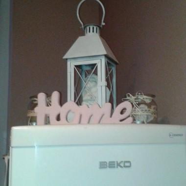 Moje świąteczne dekoracje powoli znikają z domu a w ich miejsce.....