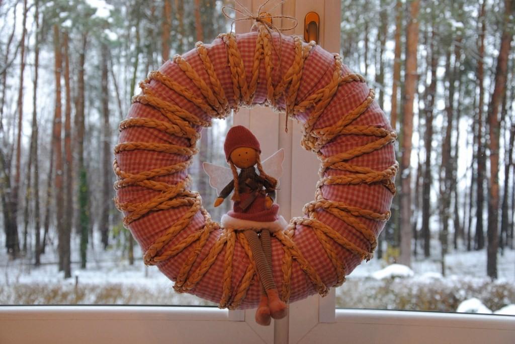 """Pozostałe, Inna bajka :) - W kuchennym oknie za to słodka """"anielinka"""" :)"""