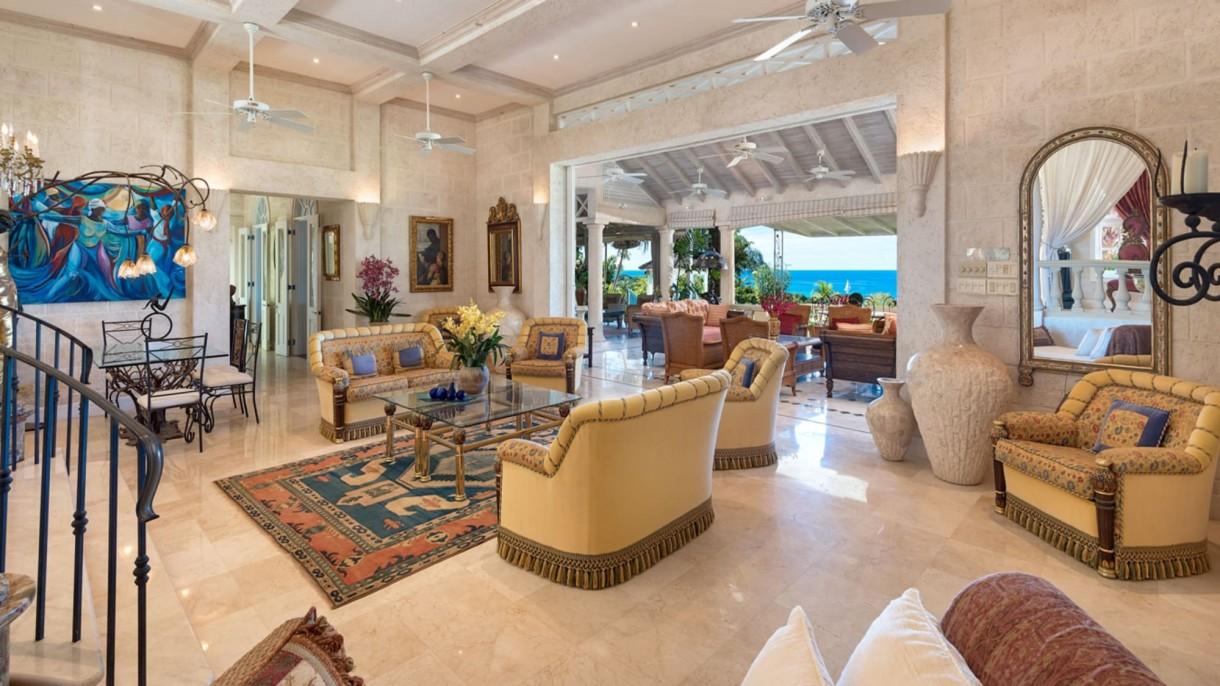 Domy sław, Cliff Richard sprzedaje posiadłość na Barbadosie - Oprócz głównej rezydencji z sześcioma sypialniami obiekt oferuje prywatne korty tenisowe i basen o rozmachu prywatnego kurortu wypoczynkowego. Do dyspozycji mieszkańców jest również podwójny garaż samochodowy.  IMP FEATURES/East News