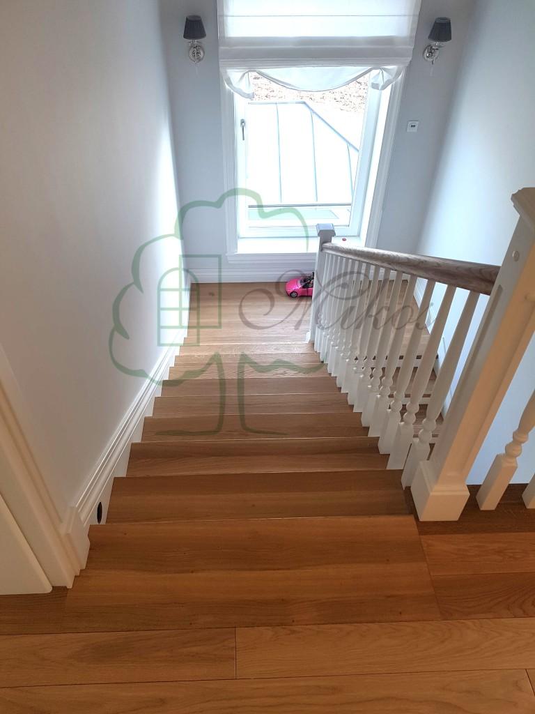 Pozostałe, Schody drewniane stylowe - Schody drewniane wewnętrzne