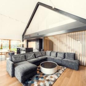 Z mieszkania do domu – jak wybrać odpowiednią działkę i projekt?