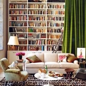 Domowa biblioteczka wrotami do krainy wyobraźni...