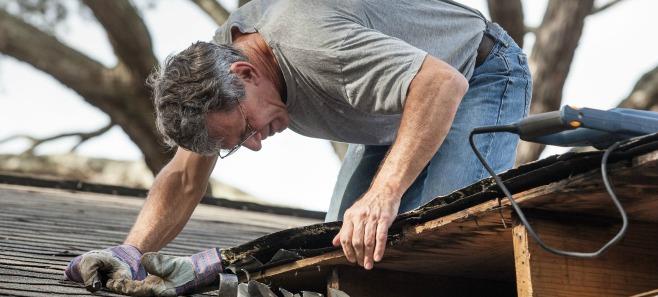 Przecieki skryte na dachu - poznaj ich najczęstsze przyczyny