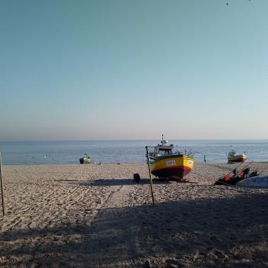 ................i kuter na plaży................