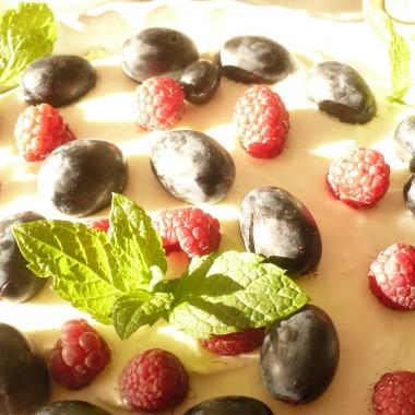 .................i tarta z owocami......