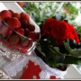 Pozostałe, Galeria z akcentem kwiatowo-truskawkowym:) - a juz w polaczeniu czerwieni i kropek po prostu zakochalam sie juz dawno i pozostaje wierna:)