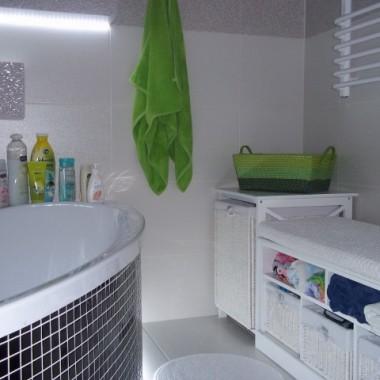 łazienka w nowym wydaniu...bardziej wiosenna:)