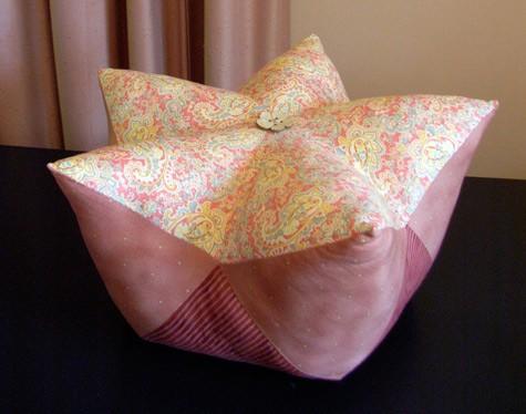 Pozostałe, Nowa poduszka - Na tej podusi się wzorowałam.