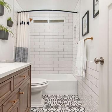 Szukam inspiracji na łazienkę i zakochałam się w takich płytkach!Wszystkie zdjęcia znalazłam na pintereście.