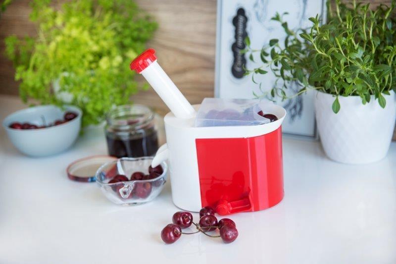 Pozostałe, Zatrzymać smak lata  - sokownik i drylownica - przydatne w domu - Drylownica do wiśni