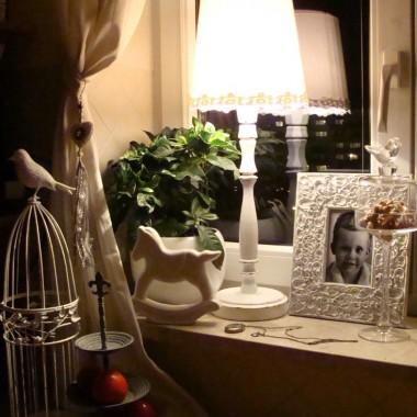 i lampkę mam i ja&#x3B;) dorwałam na starociach i pomalowałam