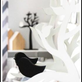 Black & white &#x3B;)