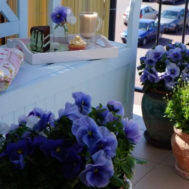 Wiosenny balkon w pastelach