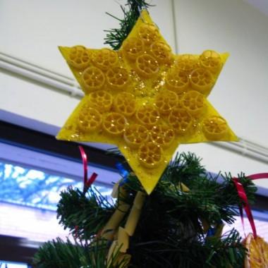 Makaronowe dekoracje w wykonaniu przedszkolakow :)