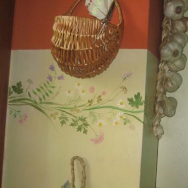 """Fryzik ze specjalnie wyselekcjonowanych przez Panią domu polnych kwiatów, nazwany prowansalskim lub \""""Łąką beskidzką\"""" :)Przy okazji zabezpieczenie przed zachlapaniami.pozdrawiam Panią Kaję."""