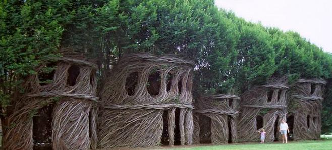 Mała architektura z wierzby. Jak samemu wykonać altankę ogrodową?