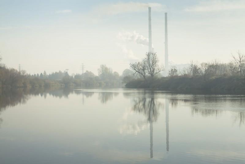Oczyszczanie powietrza w mieszkaniu, czyli jak walczyć ze smogiem?