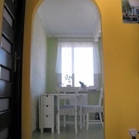 szaro-biało-zielona kuchnia
