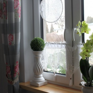 Na zewnątrz , od kilku dni... biało... Dlatego też, postanowiłam utrwalić te chwile ze śniegiem.A żeby troszkę rozweselić klimat , to kilka tulipanowych akcentów zapodałam :)Tak na Walentynki :) Przy okazji :))