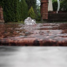 woda na tarasie fontanna