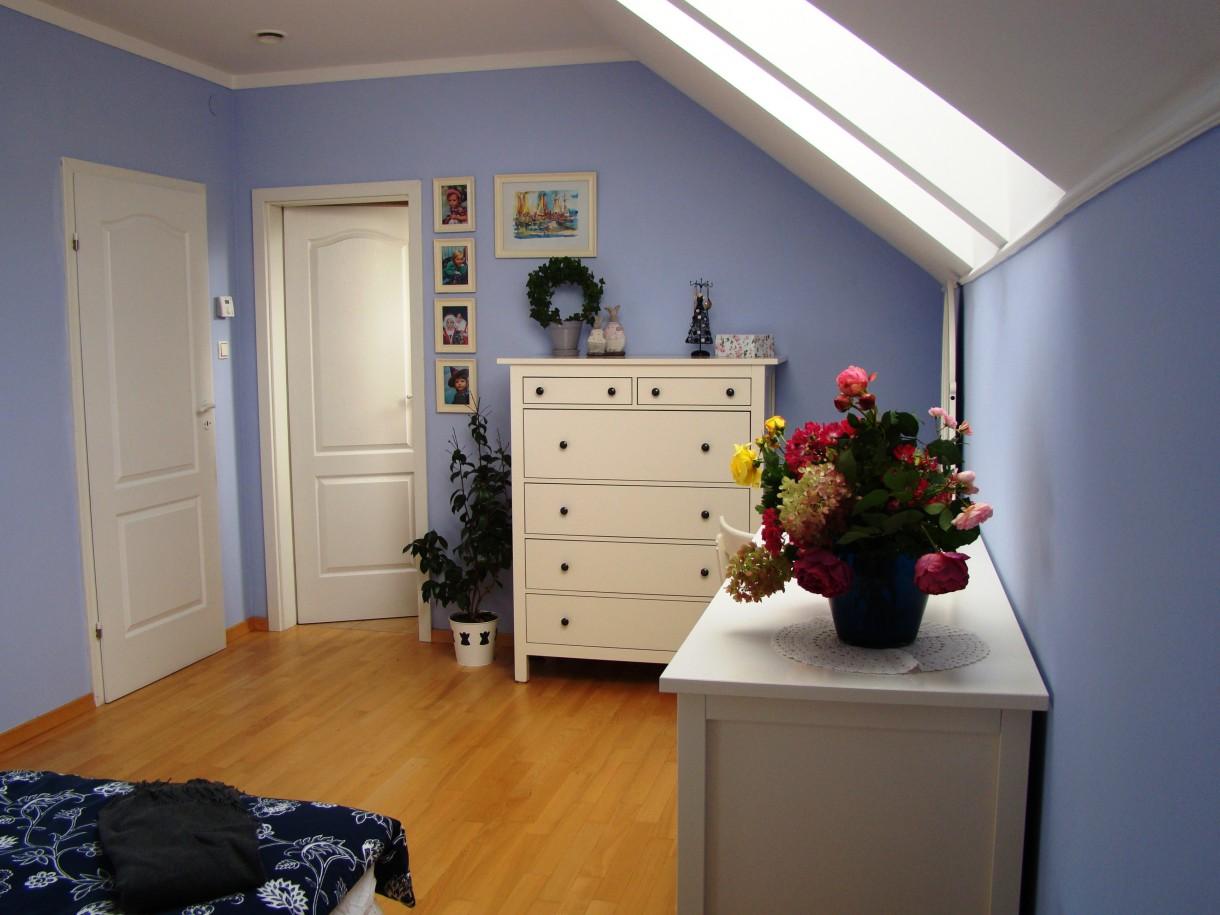 Zdjęcie 710 W Aranżacji Niebieska Sypialnia Mniej Niebieska