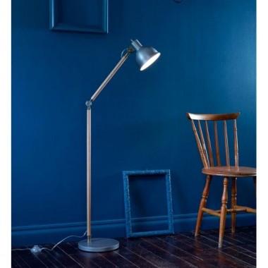 Klasyczne, nowoczesne i te bardziej oryginalne.Doskonale sprawdzą się wszędzie tam, gdzie jest potrzeba umieszczenia dodatkowego oświetlenia. Mogą stanowić także ciekawy element dekoracyjny.