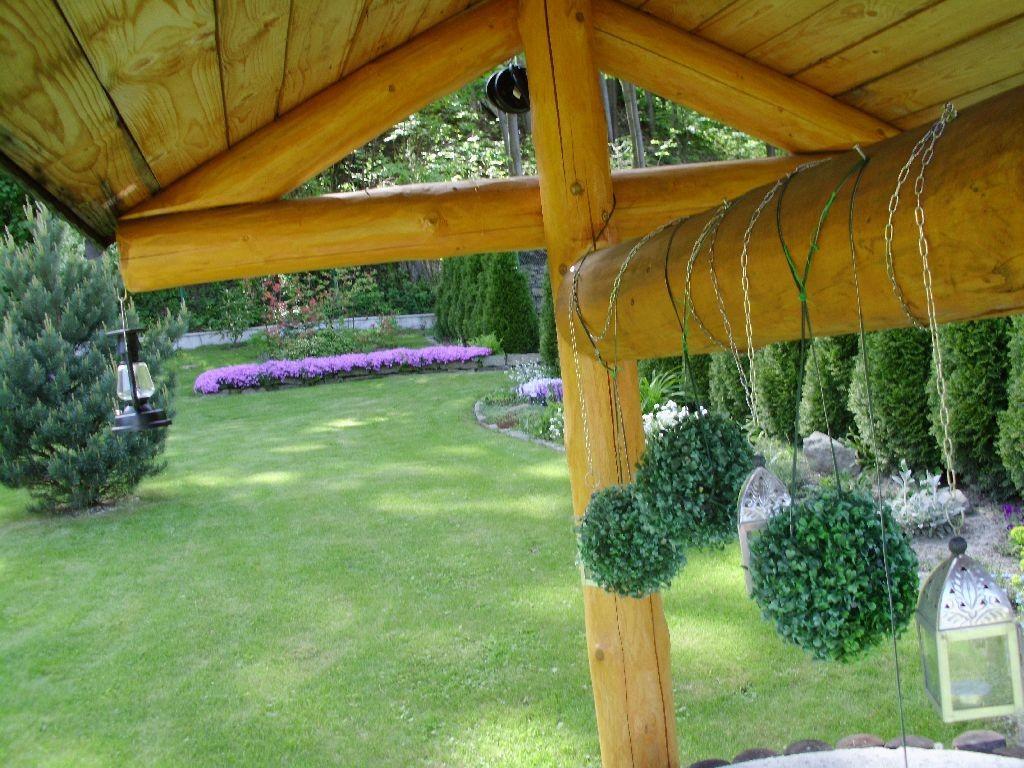 Ogród, Majowo-czerwcowy ogród Ewy - Taki widoczek zza studni.