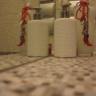 łazienka biało-szara