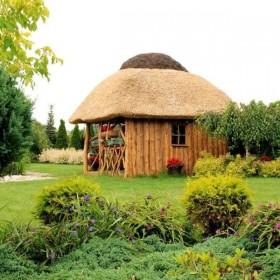 altana ogrodowa ze strzechą