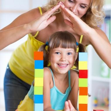 Jak zadbać o bezpieczeństwo dziecka w domu?