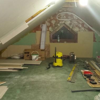 w trakcie remontu...przez 11 lat był grajdoł na strychu