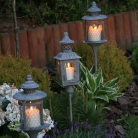 Lampiony ogrodowe z drewna i metalu - 20%