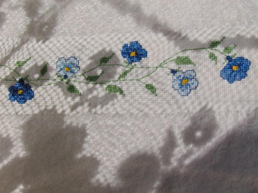 Pozostałe, Moje kwietniowe fotki............... - .................i kwiatuszki na ręczniczku...............