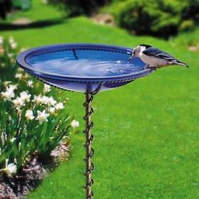 Ogrodowe wodopoje dla ptaszków