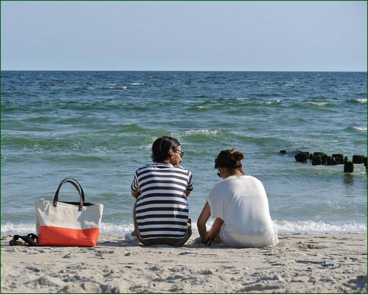 Pozostałe, ..im się powiodło... - ..tylko oni dwoje i ocean..