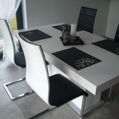 Stół i krzesłą
