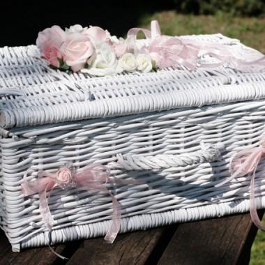 Kuferki ślubne z wikliny
