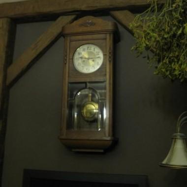 """zegar stary XIXw sygnowany Gustav Becker""""na chodzie"""" debowy , krysztalowa szybka, dlatego ze zalezy mi na czasie 420zl."""