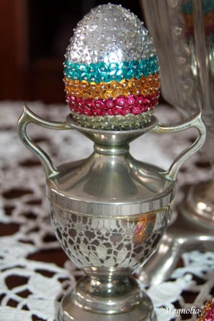 Pozostałe, jajogłowe damy i inne jajkowe przebierańce..... - ten malutki ,srebrny wazonik to prezent od Alicji...dziękuję Alu