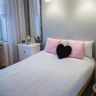 Stare łóżko -czekamy na nową sypialnię...