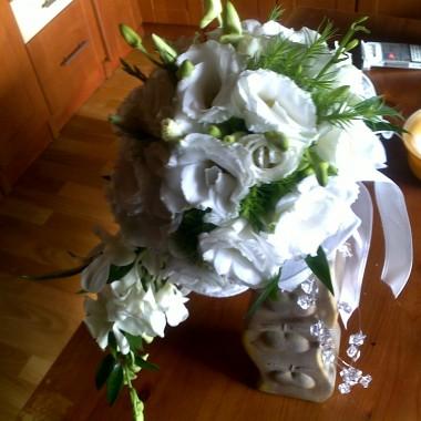 kompozycje..aranżacje...florystyka funeralna...ślubna ..bukiety