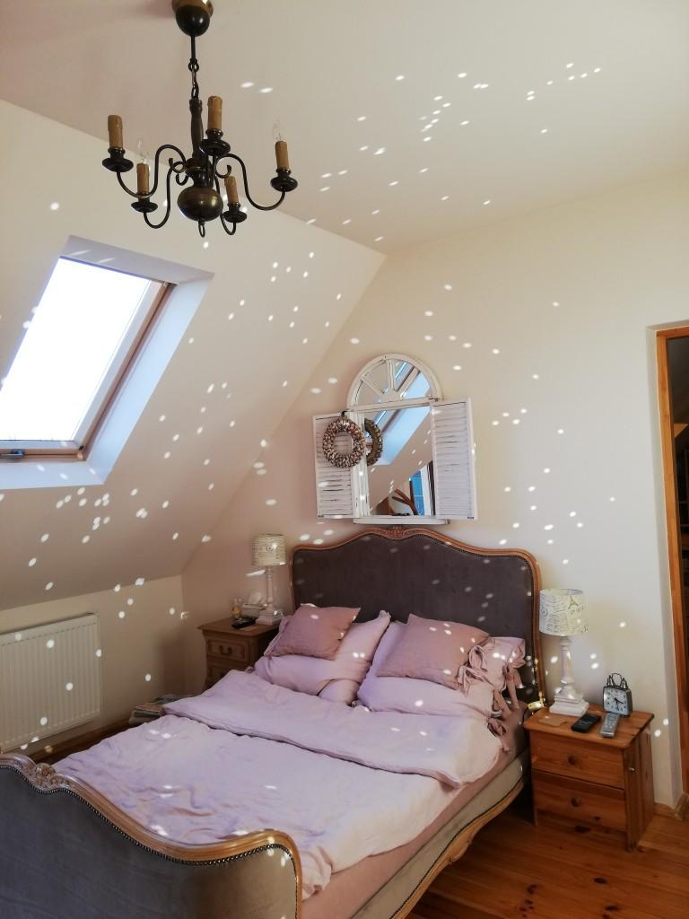 Sypialnia, Spełnione marzenie - To nie nakładka. To odbicie słońca w sercu lustrzanym