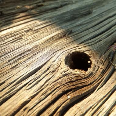 Dziura &#x3B;) Stół ze starych drzwi od stodoły.
