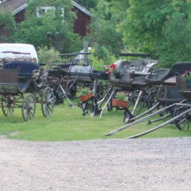 Zbiór  zaprzęgów konnych,przed renowacja i po renowacji,ocalenie historii mobilnej