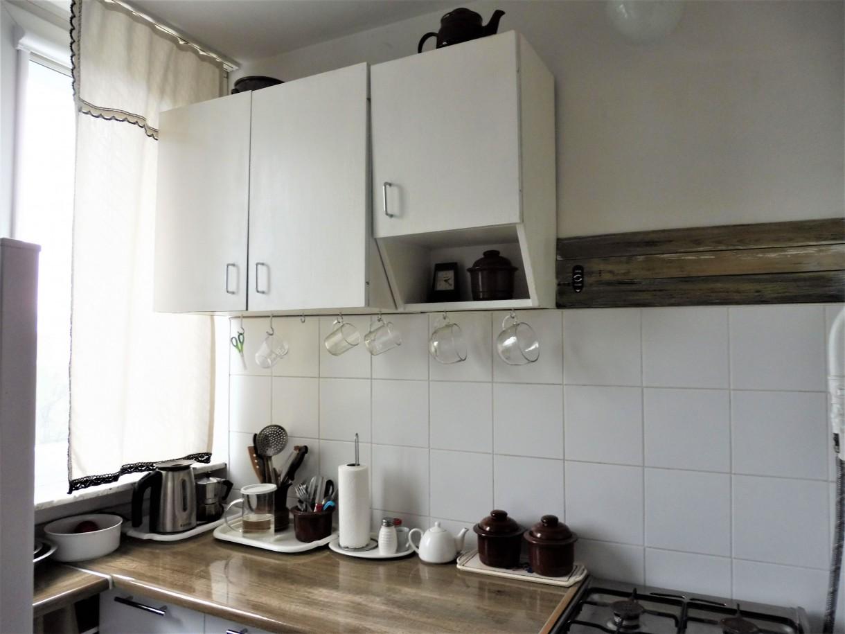 Kuchnia, KUCHNIA - Nareszcie lubię swoją jasną kuchnię! Wszystkie szafki dolne zostały wymienione a górne pomalowane na biało.
