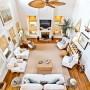 Domy sław, Sandra Bullock sprzedaje dom na plaży - Aktorka bezskutecznie próbuje się pozbyć domu już od roku. Po raz pierwszy posiadłość wystawiono na sprzedaż w marcu 2019 roku. Cena wywoławcza wynosiła wówczas 6,5 mln dolarów. Nie udało się  znaleźć żadnego kupca, to też teraz obniżono ją do 3,3 mln dolarów.  IMP FEATURES/East News