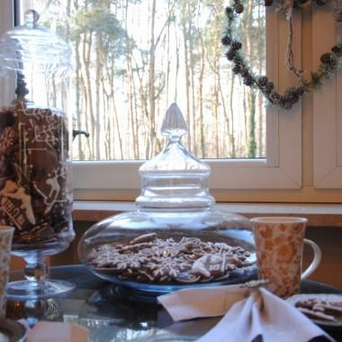 Tradycyjnie jak co roku w dniu 6 grudnia zapraszam na pierniczkową imprezkę :) Powoli szykuję dom na świąteczny czas .W tym roku będą to turkusowo-szmaragdowe Święta :)